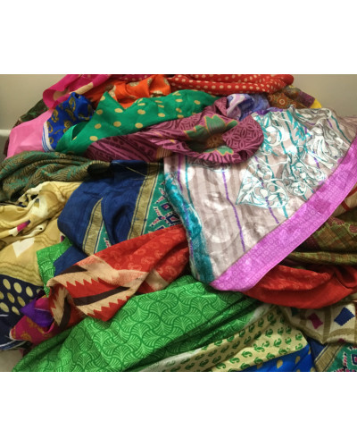 10 KG Sari Artwork Vintage Scrap Fabric for Crafting Projects