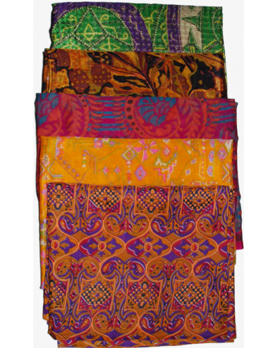 Lot of 25 Artwork Vintage Indian Saree Fabric